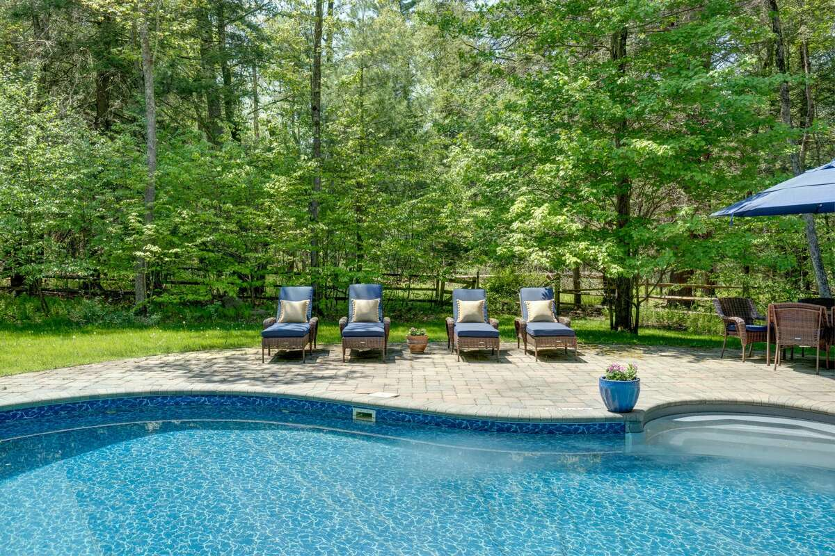 'Tis the season to gather again in groups, and throw pool parties with family or friends at a big house rental upstate.