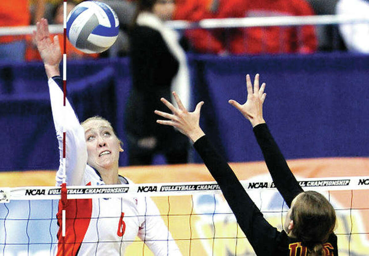 Former Collinsville High and University of Illinois volleyball standout Michelle Bartsch-Hackley, along with former Illini Jordyn Poulter, are two of eight newcomers named the U.S. Olympic Olympic volleyball team.