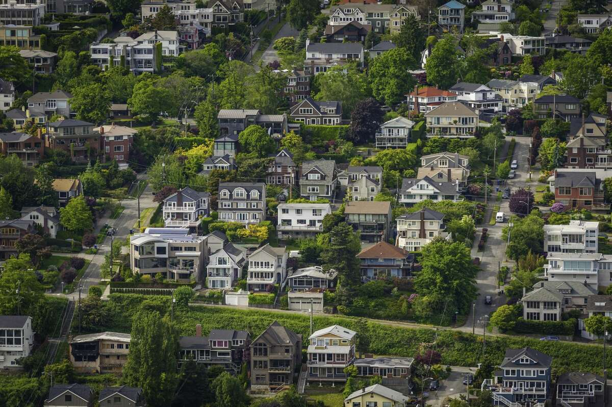 Aerial view ofhouses in Seattle's Queen Anne neighborhood.