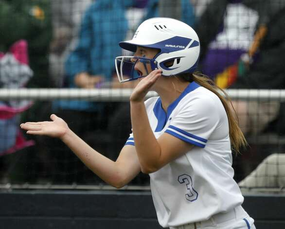 Belaney Dunham #3 of Barbers Hill claps after scoring on a sacrifice-RBI by Estela Garza in the first inning of a Class 5A UIL state semifinal game at Leander High School, Friday, June 4, 2021, in Leander. Photo: Jason Fochtman/Staff Photographer / 2021 ? Houston Chronicle