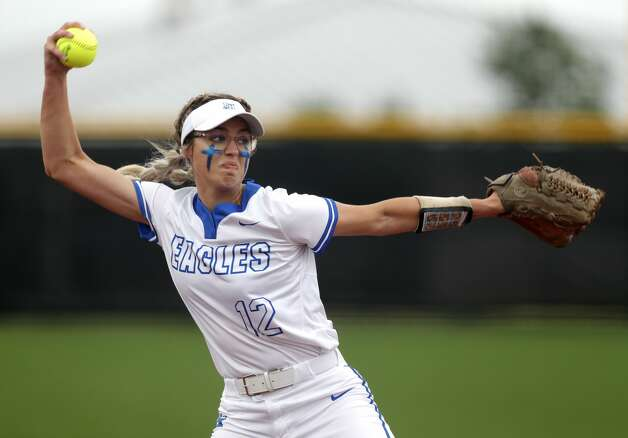 Barbers Hill starting pitcher Samantha Landry (12) throws in the second inning of a Class 5A UIL state semifinal game at Leander High School, Friday, June 4, 2021, in Leander. Photo: Jason Fochtman/Staff Photographer / 2021 ? Houston Chronicle