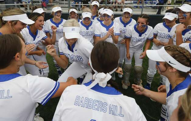 Barbers Hill players dance in a circle before the team's Class 5A state semifinal game, Friday, June 4, 2021, in Leander. Photo: Jason Fochtman/Staff Photographer / 2021 © Houston Chronicle