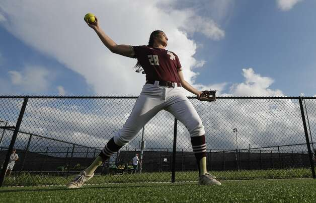 Deer Park pitcher Madison Applebe (28) throws before a Class 6A state semifinal game, Friday, June 4, 2021, in Leander. Photo: Jason Fochtman/Staff Photographer / 2021 © Houston Chronicle