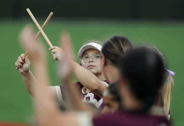 Emma Overla #5 of Deer Park directs players for a line routine before a Class 6A state semifinal game, Friday, June 4, 2021, in Leander. Photo: Jason Fochtman/Staff Photographer / 2021 ? Houston Chronicle