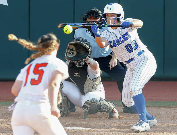 KateLynn Cooper #00 of Barbers Hill bunts the ball during the Class 5A UIL state championship at Red & Charline McCombs Field, Saturday, June 5, 2021, in Austin. Photo: Jason Fochtman/Staff Photographer / 2021 ? Houston Chronicle