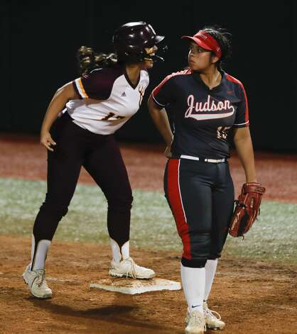 Erin Perez #17 of Deer Park reacts after hitting the game-winning RBI single in the sixth inning of the Class 6A UIL state championship game at Red & Charline McCombs Field, Saturday, June 5, 2021, in Austin. Photo: Jason Fochtman/Staff Photographer / 2021 © Houston Chronicle