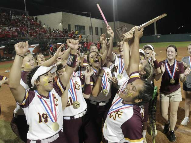 Deer Park celebrates after defeating Judson 1-0 to win the Class 6A UIL state championship at Red & Charline McCombs Field, Saturday, June 5, 2021, in Austin. Photo: Jason Fochtman/Staff Photographer / 2021 © Houston Chronicle