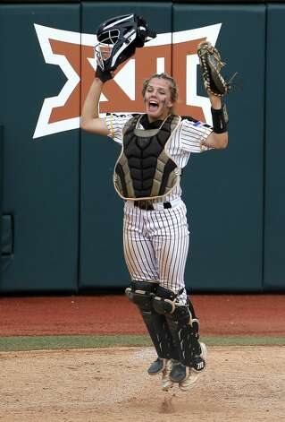Liberty catcher Hollie Thomas celebrates after defeating Calallen 10-3 to win the Class 4A UIL state championship at Red & Charline McCombs Field, Saturday, June 5, 2021, in Austin. Photo: Jason Fochtman/Staff Photographer / 2021 ? Houston Chronicle