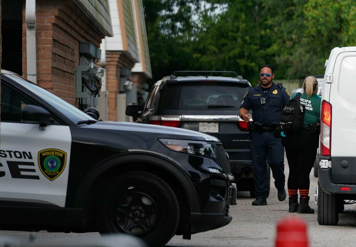 Houston Police and other personnel are shown at the scene of a homicide in the 7000 block of Bellfort Avenue at the Bellfort Plaza Apartments onTuesday, June 9, 2021 in Houston.