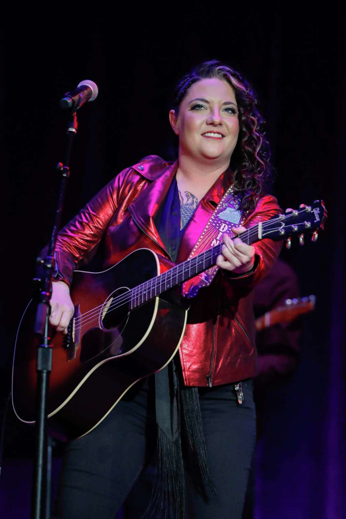 Ashley McBryde is coming to Floore's Country Store.