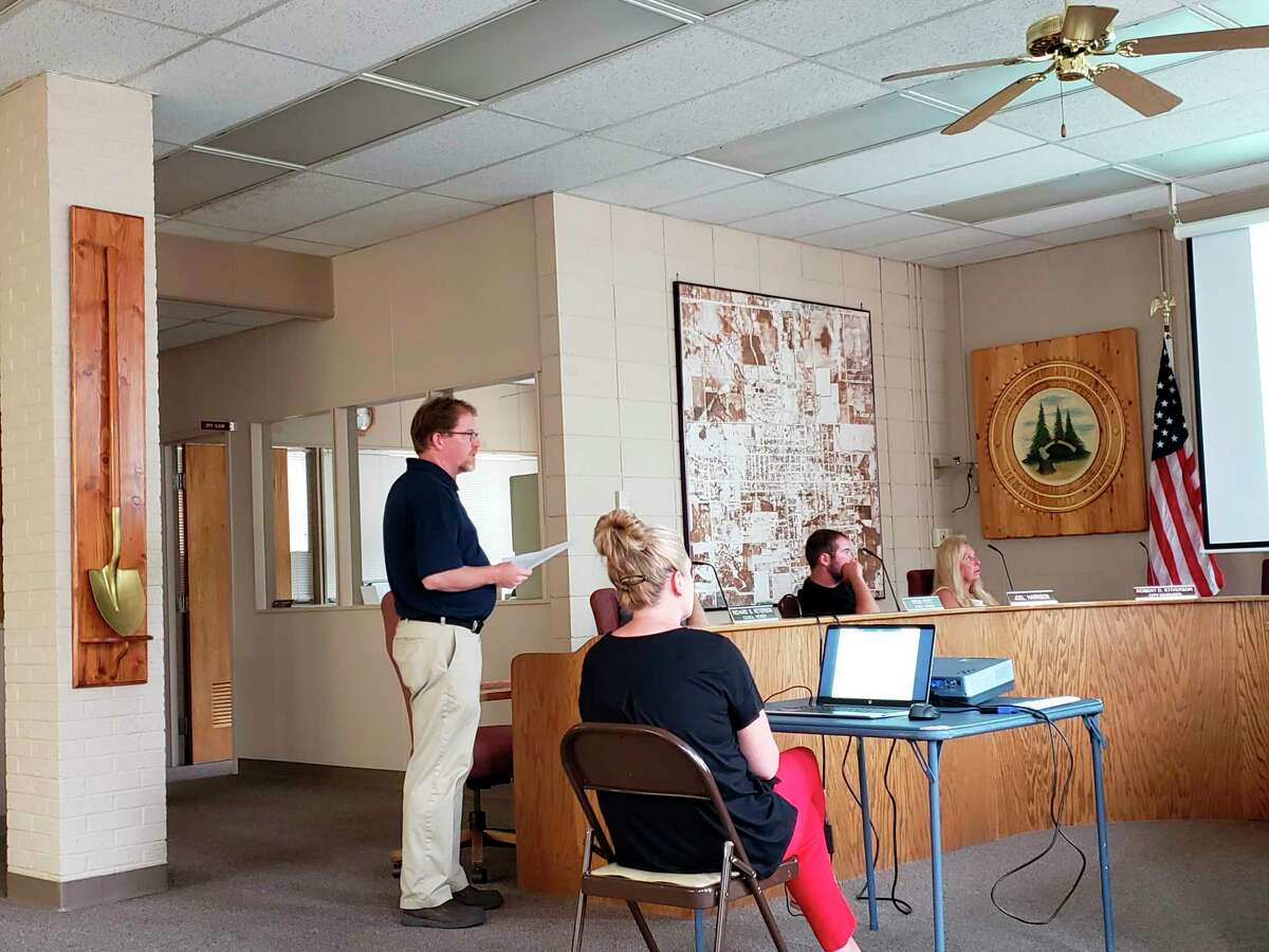 Bad Axe City Manager Rob Stiverson delivers his 2021-22 budget proposal to the Bad Axe City Council. Some of his capital improvement proposals include work on various Bad Axe streets and improvements to city hall. (Robert Creenan/Huron Daily Tribune)