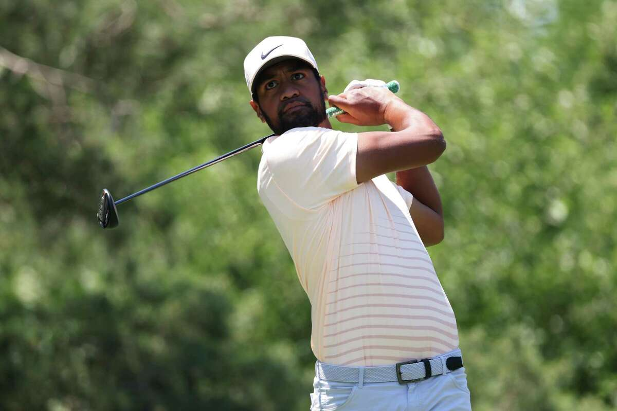 DUBLIN, OHIO - JUNE 05: Tony Finau of the United States plays his shot from the second tee during the third round of The Memorial Tournament at Muirfield Village Golf Club on June 05, 2021 in Dublin, Ohio. (Photo by Andy Lyons/Getty Images)