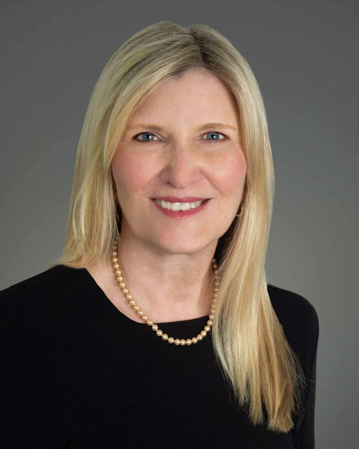 Allison Knapp of Milford has joined Washington Trust Co.'s commercial real estate group as a vice president and relationship manager in the state, primarily in the New Haven and Fairfield markets, according to a release.