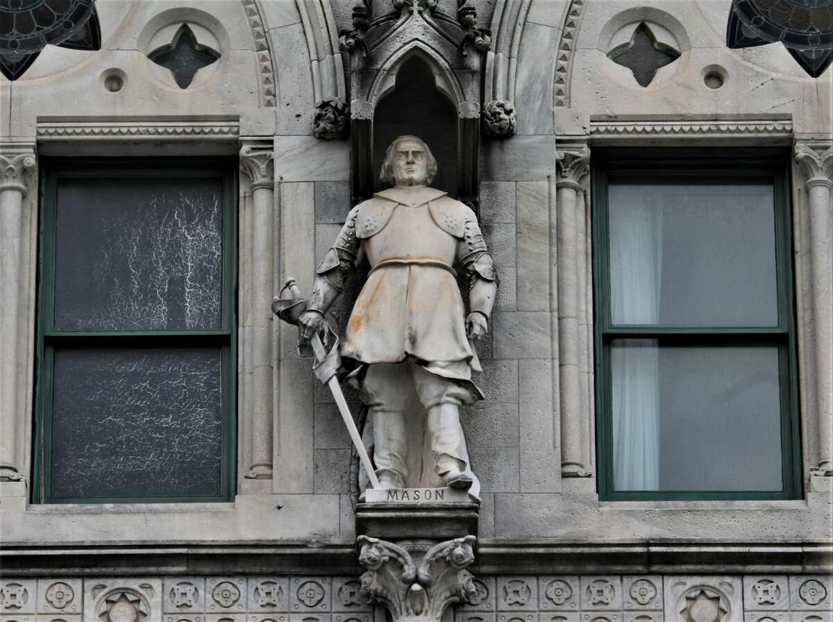 The statue of John Mason outside of the Capitol Building in Hartford, Conn.