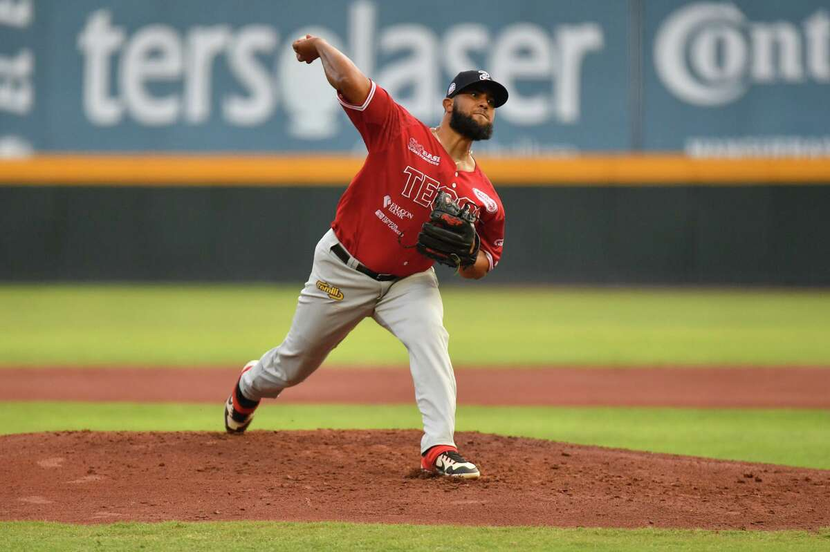 People within the Tecolotes Dos Laredos organization don't believe the Mexican Baseball League has a problem when it comes to pitchers possibly using sticky substances to improve their throws.