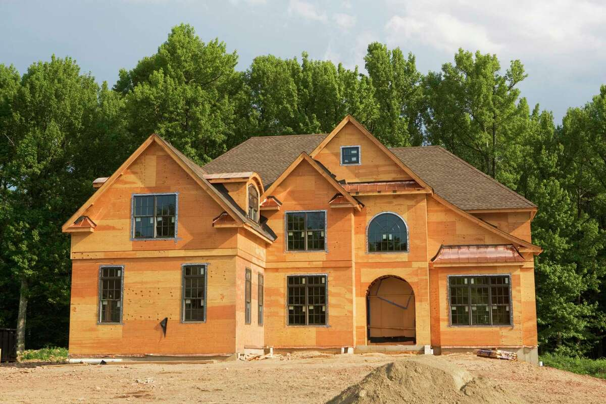 A survey by the U.S. Census Bureau found there were 123,000 contractor-built, single-family homes started in 2020.