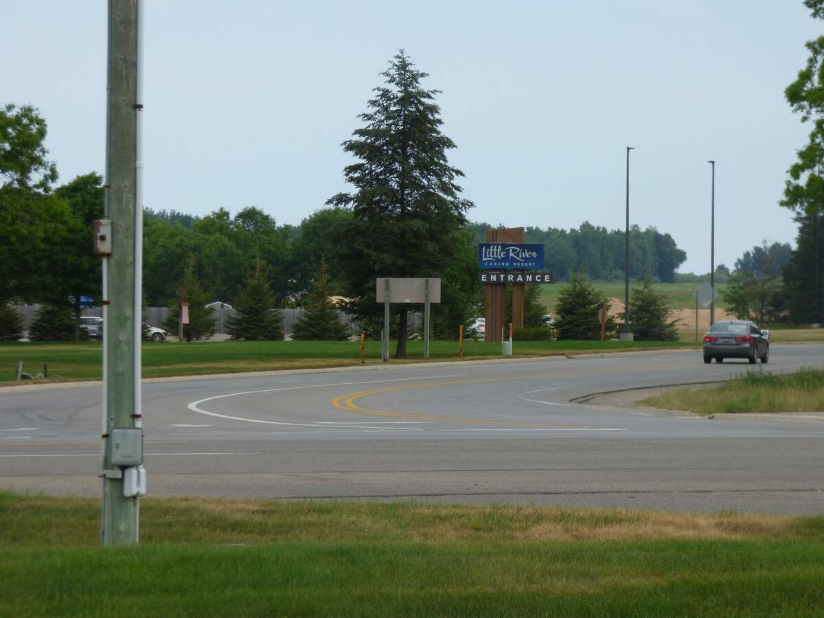 Michigan Department of Transportation in partnership with the Little River Band of Ottawa Indians plans to construct a roundabout at the intersection of M-22 and US-31 in 2022.