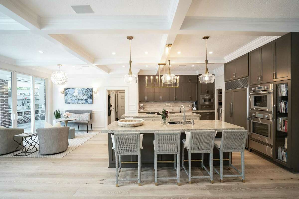 In a massive remodeling project, Ron and Kristy Crabtree created an open concept floor plan where there used to be a kitchen peninsula/pass through.