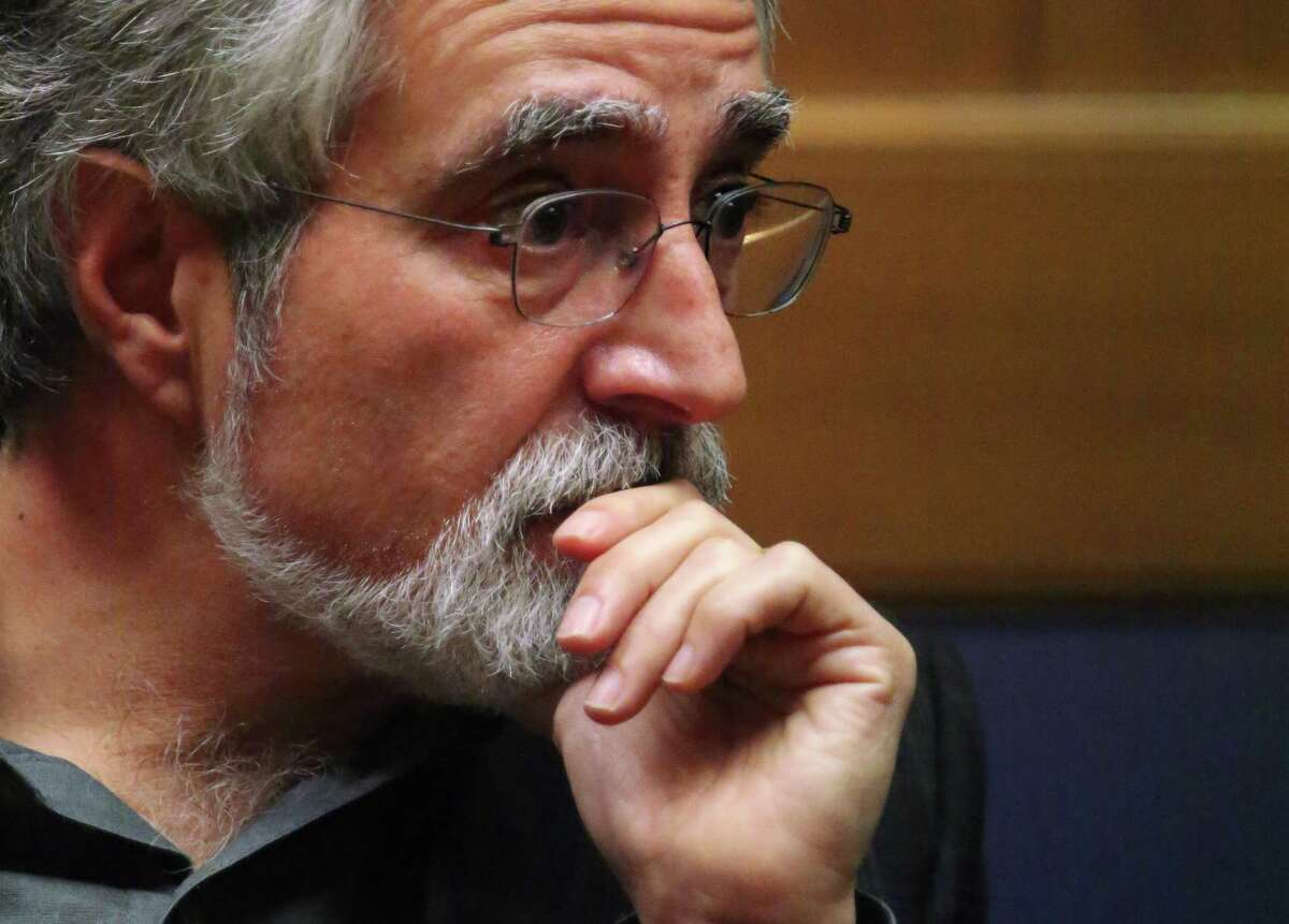 San Francisco Supervisor Aaron Peskin has announced that he is entering alcohol treatment.
