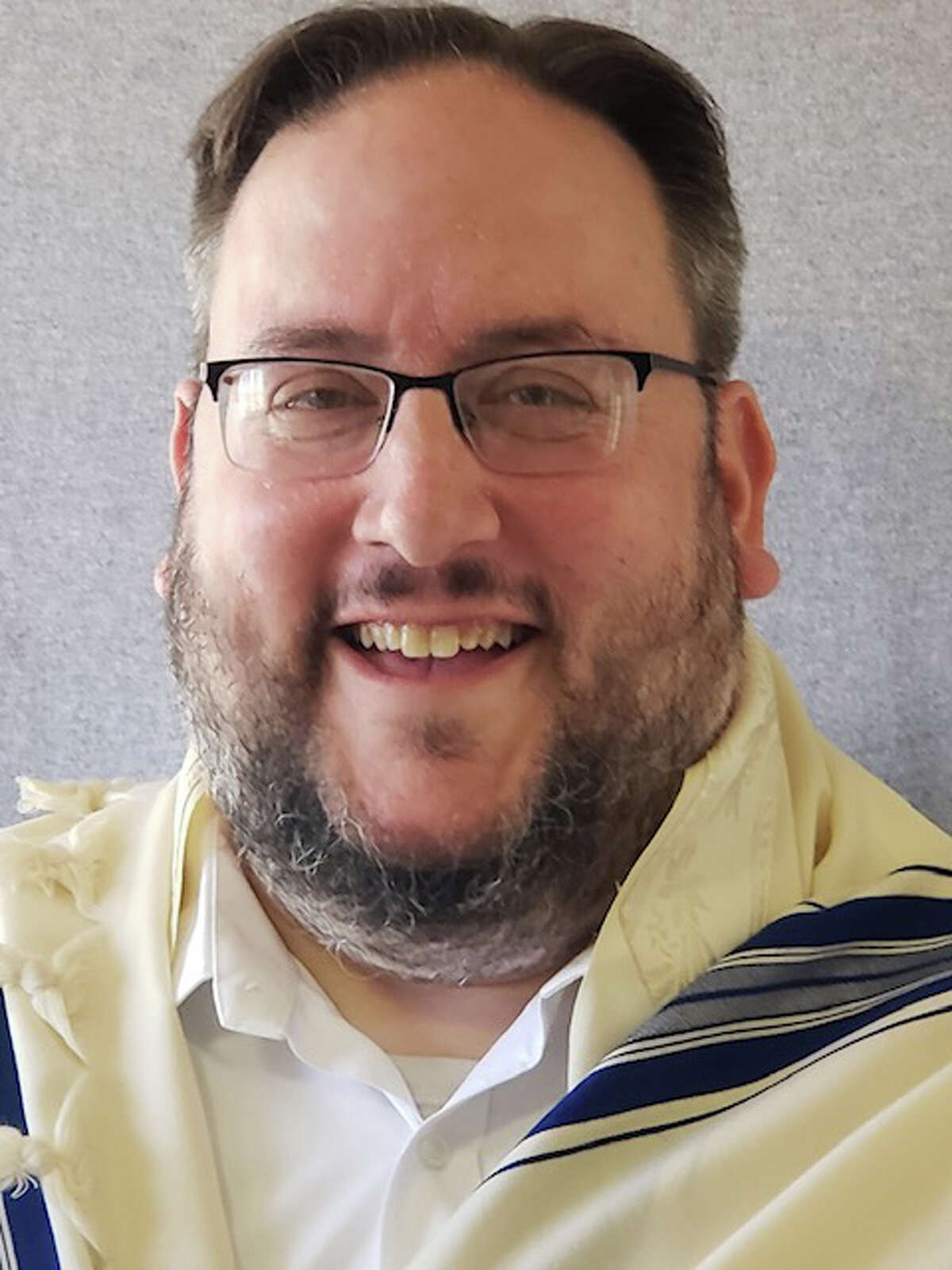 Young family man and rabbi, Ami Monson has been counseling for elder residents at the Los Angeles Jewish Home and The Nest (also in LA) and serving as Youth Director at Valley Beth Shalom in Encino. He will be replacing Rabbi Bev Magidson as chaplain when she retires from 25 years at Jewish Family Services.