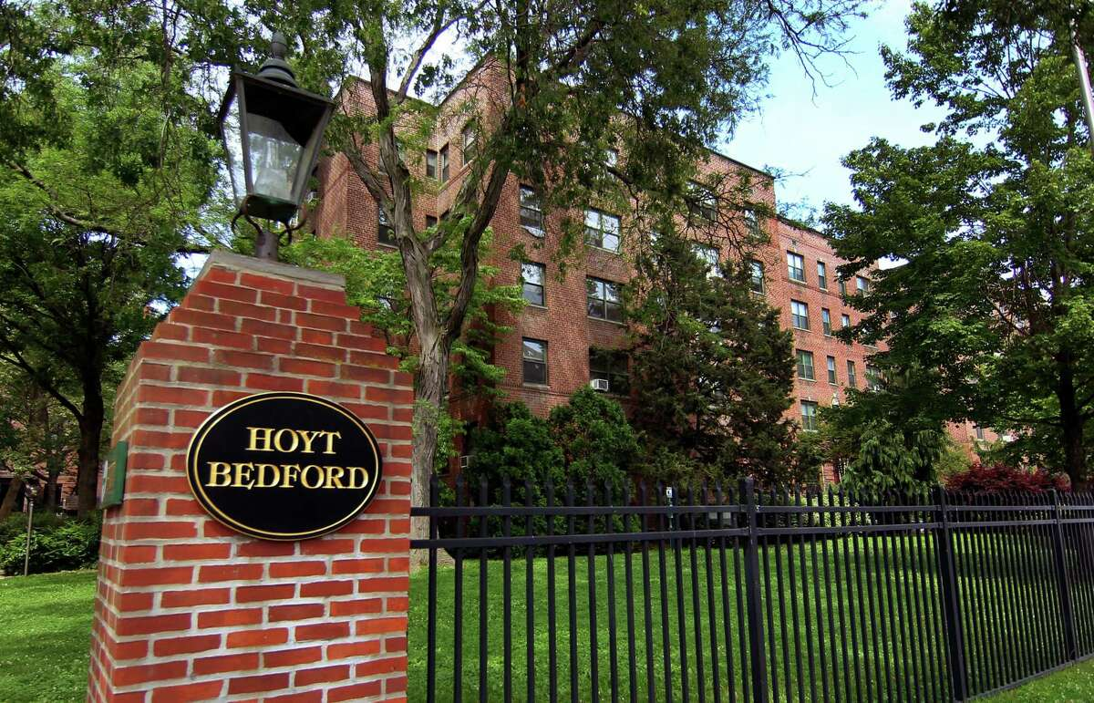 The Hoyt Bedford apartments, a 350-unit complex at 98-140 Hoyt St., in Stamford, Conn., have sold for about $99 million.