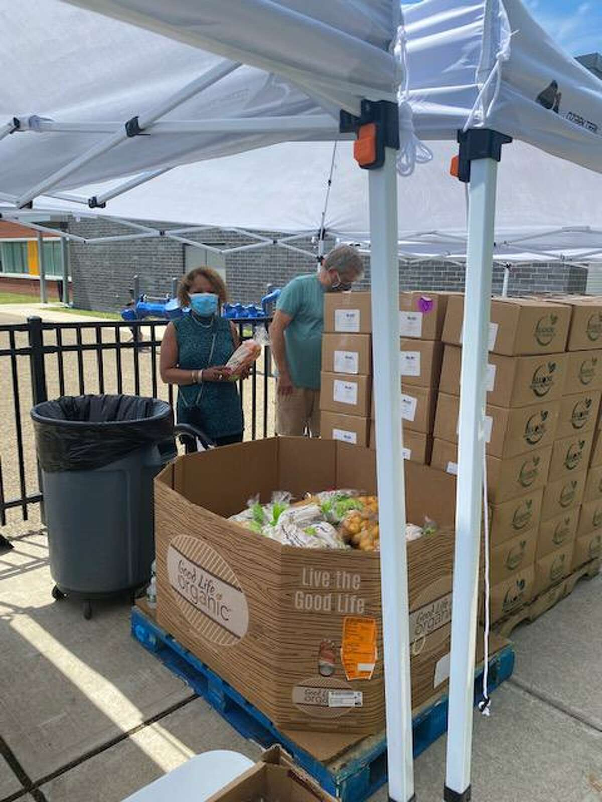 A volunteer event with the Council of Churches, the Connecticut Food Bank, Theodore Roosevelt Elementary School in Bridgeport and the Rescue Mission to give out fresh fruits and vegetables to residents in the school's parking lot.