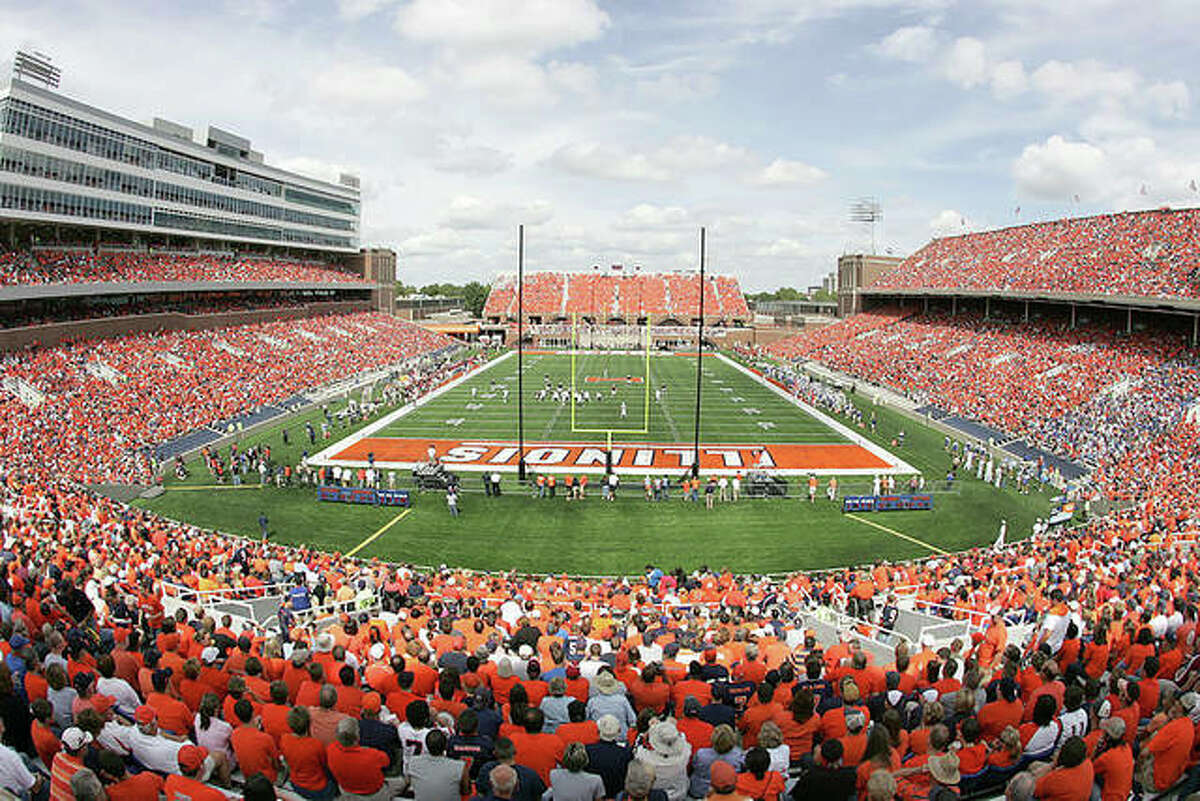 Memorial Stadium at the University of Illinois can now open to 100 percent capacity withthe state of Illinois' COVID mitigation moving to Phase 5.