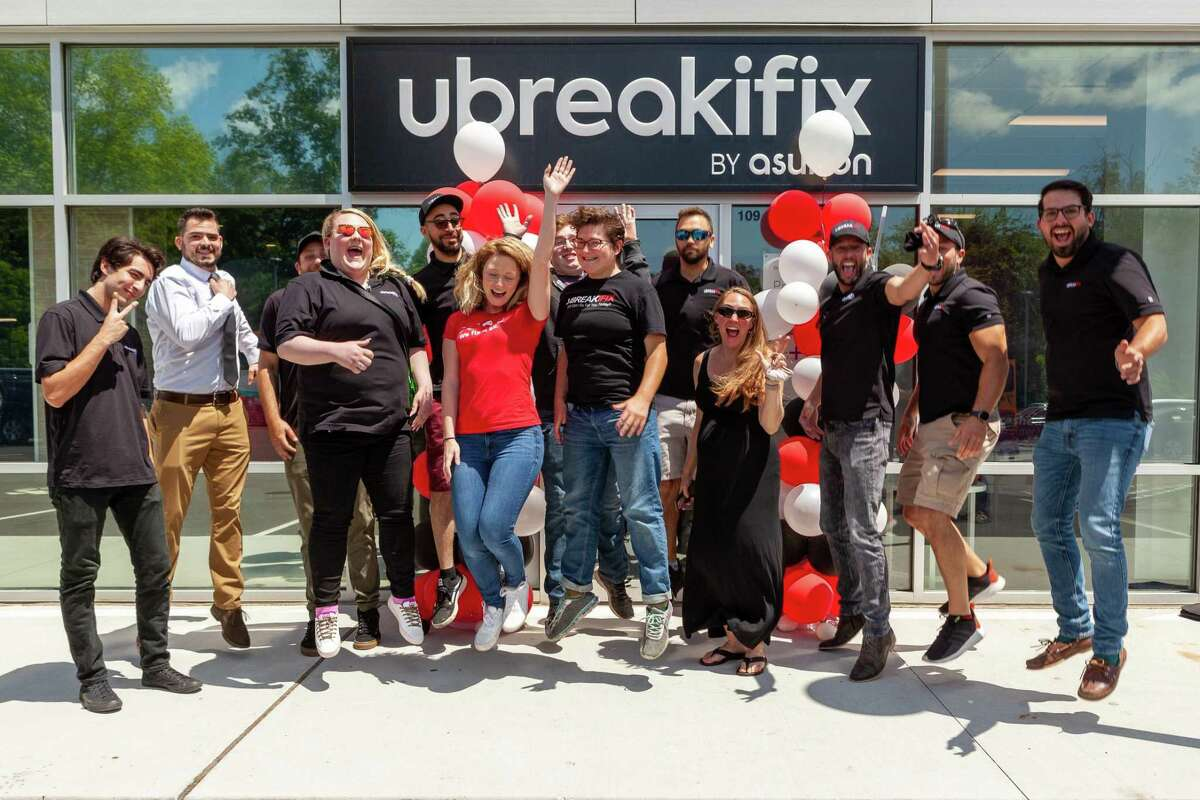 The electronics repair shop uBreakiFix has opened a location at 901 Bridgeport Avenue, Suite 109, in Shelton. The business offers repairs on smartphones, tablets, computers and more.
