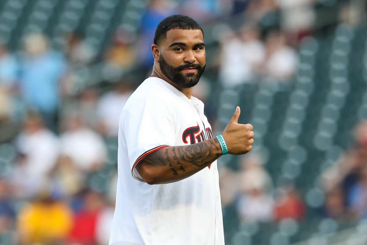 MINNEAPOLIS, MN - JUNE 11: Gable Steveson, who qualified for the U.S. Olympic team, is introduced to throw out the ceremonial pitch before the start of the game between the Houston Astros and Minnesota Twins at Target Field on June 11, 2021 in Minneapolis, Minnesota. (Photo by David Berding/Getty Images)