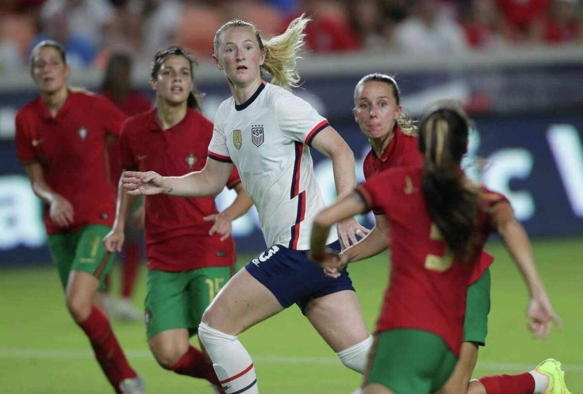 U.S. Women's National Team midfielder Samantha Mewis (3) keeps eyes on the ball that is coming into the box during the second half of the 2021 Summer Series match against Portugal Thursday, June 10, 2021, at BBVA Stadium in Houston. The U.S. Women's National Team defeated Portugal Women's National Team 1-0.