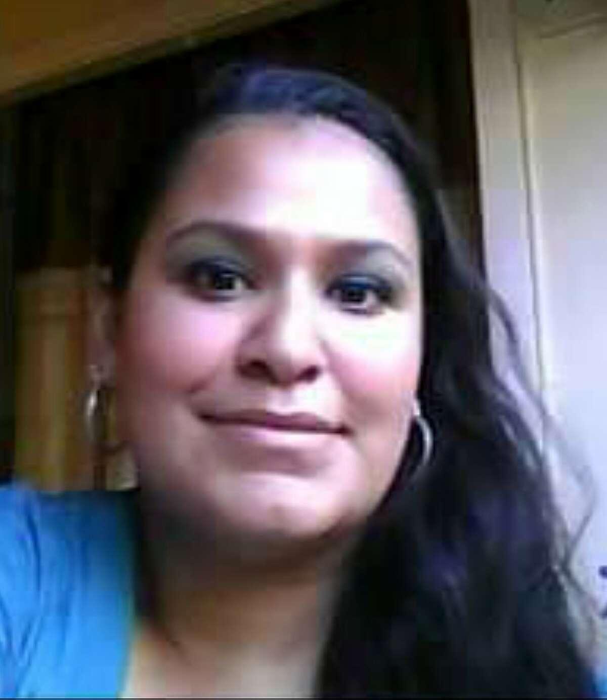 Roxanne Yvette Angon Arneson
