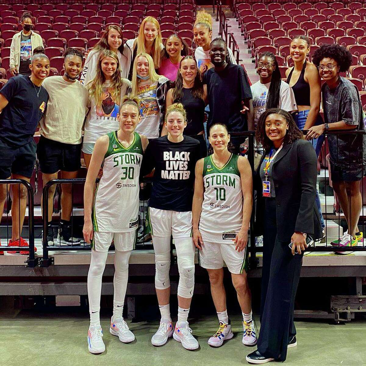 After Sunday's game between the Sun and Storm, UConn alums and current WNBA stars caught up with members of the current team.