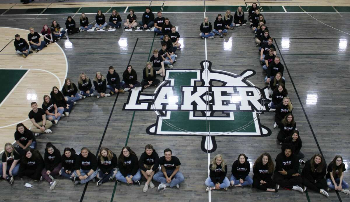 The Laker graduating class of 2021 poses for a photo.