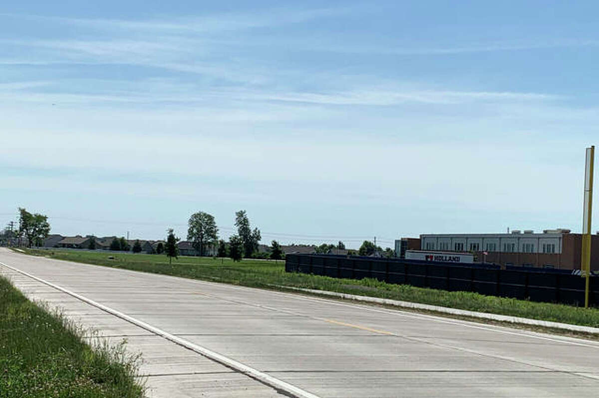 The outfield wall of the school's new baseball diamond comes within feet of Bouse Road, which makes it a convenient place to park for many fans and parents. Nearby subdivision residents complained about restricted access to their homes. The view here is looking southeast.