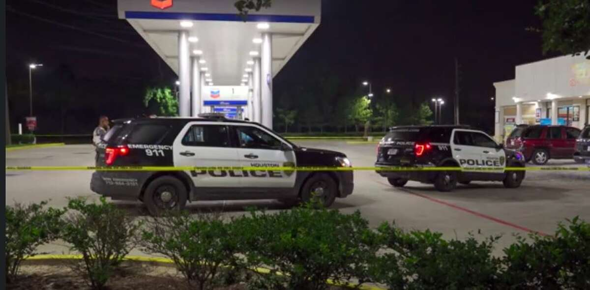 Police investigating an attempted carjacking early Tuesday that they believe is linked to one similar incident.