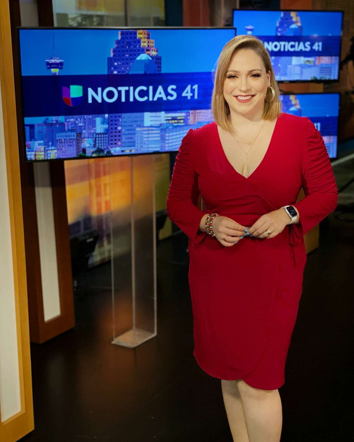 """MYRNA SALAS Back in April,Univision anchor Myrna Salas underwent a shift change, moving from the morning shift to the 5 p.m evening newscast alongside Brenda Jimenez and Meteorologist Gabriel Torres during the 10 p.m news update. """"I think it's a healthier change. Before I slept when I could. Now I sleep often,"""" Salas previously told MySA."""