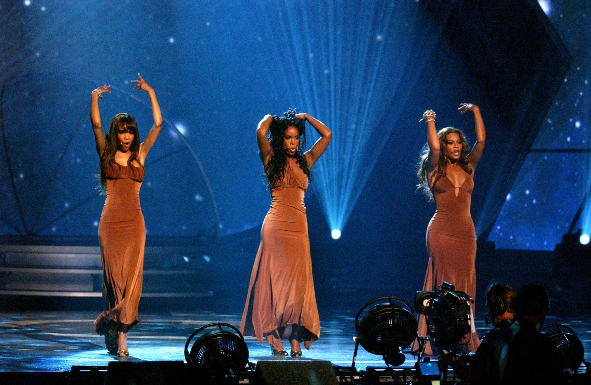 Fans are questioning the meaning of Destiny's Child's 'Cater 2 U' 17 years after its release
