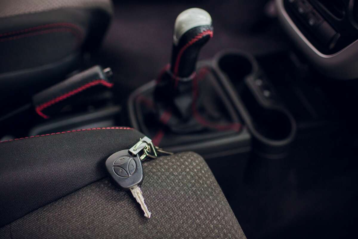 """An out-of-state crime ring is stealing cars in the lower Hudson Valley, specifically Dutchess and Putnam counties. """"The thieves are flipping the handle of the car, and if it's open, they go in,"""" said Dutchess County Captain John Watterson. None of the stolen cars were locked, so it's best to take that one preventative measure."""