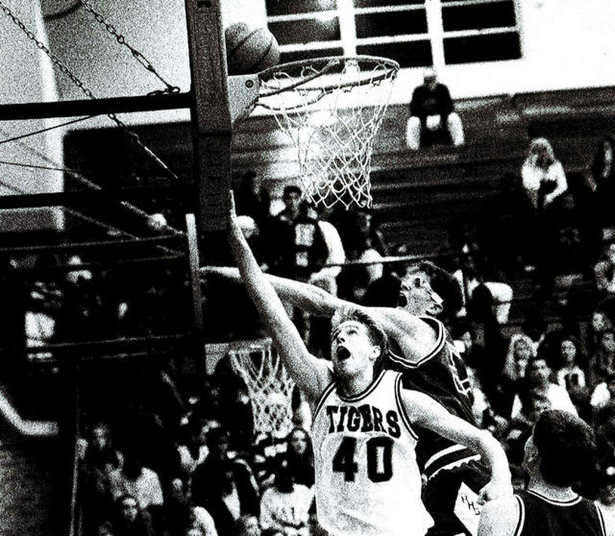 Edwardsville's Chris Wright, a 1995 EHS graduate, makes a layup during his playing days at EHS.