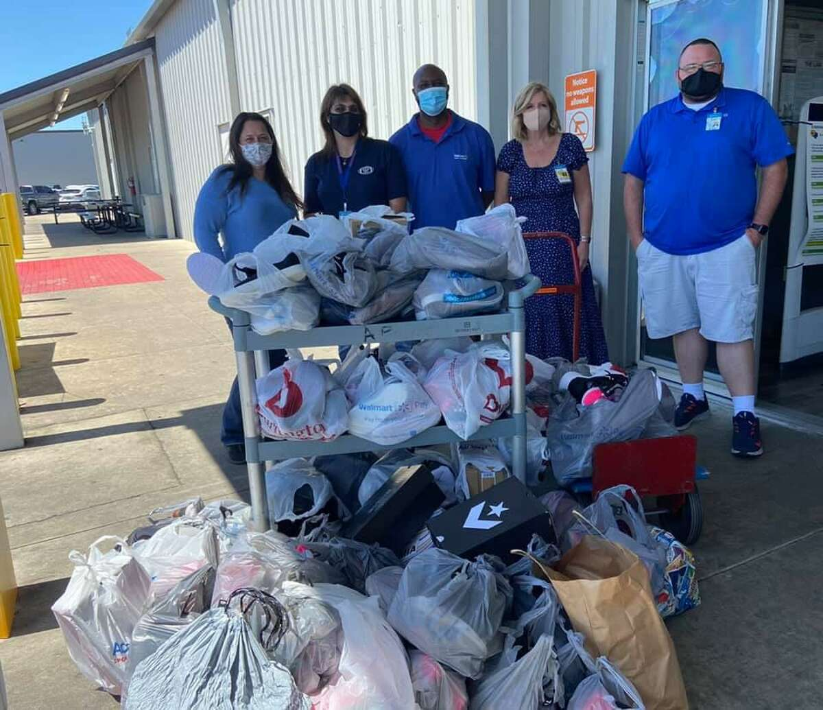 The Kicks for Kids Shoe Drive with Your Total Foot Care Specialist and Compassion Katy collected nearly 1,200 pairs of shoes for Katy Independent School District Title I elementary schools to give to students in need during the 2021-22 school year.