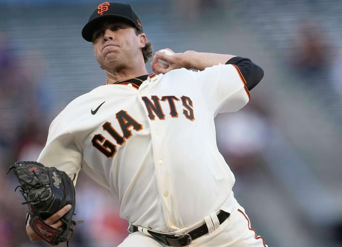SAN FRANCISCO, CALIFORNIA - JUNE 15: Sammy Long #73 of the San Francisco Giants pitches against the Arizona Diamondbacks in the top of the first inning at Oracle Park on June 15, 2021 in San Francisco, California. (Photo by Thearon W. Henderson/Getty Images)