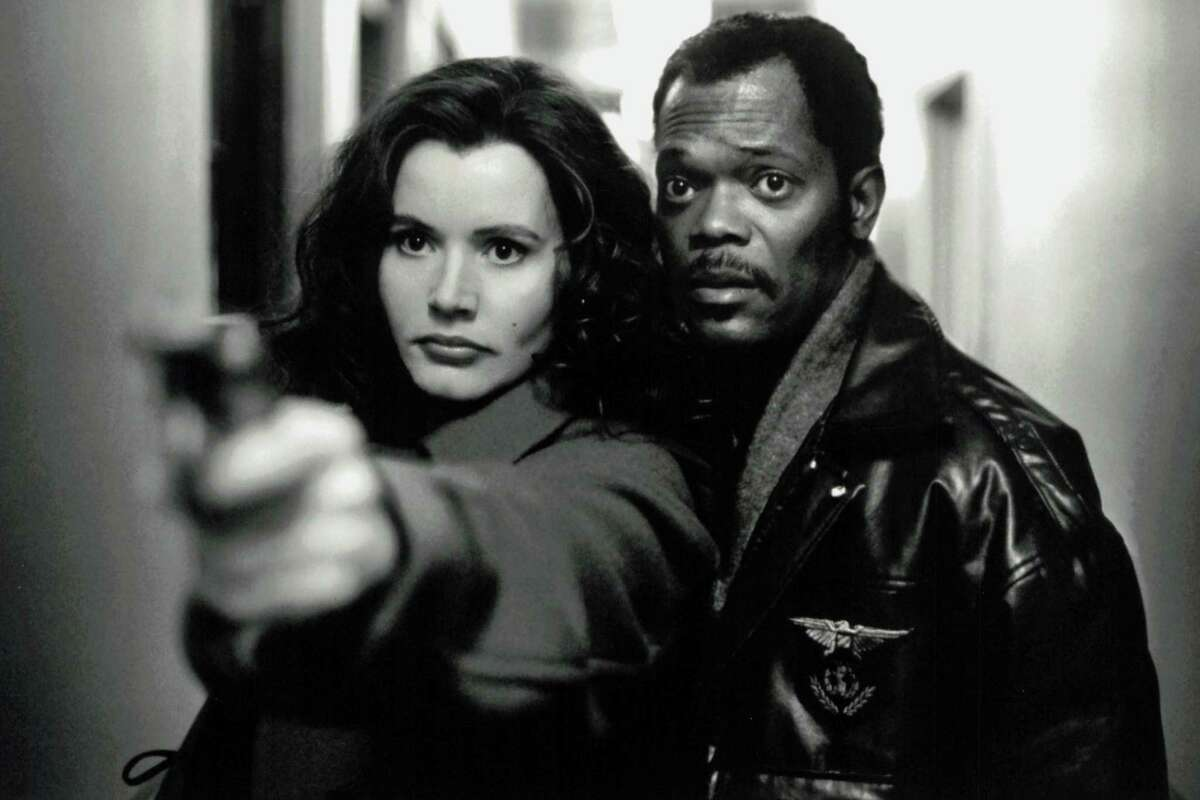 """Geena Davis (Samantha Caine) and Samuel L. Jackson (Mitch Henessey) team up in """"The Long Kiss Goodnight."""""""