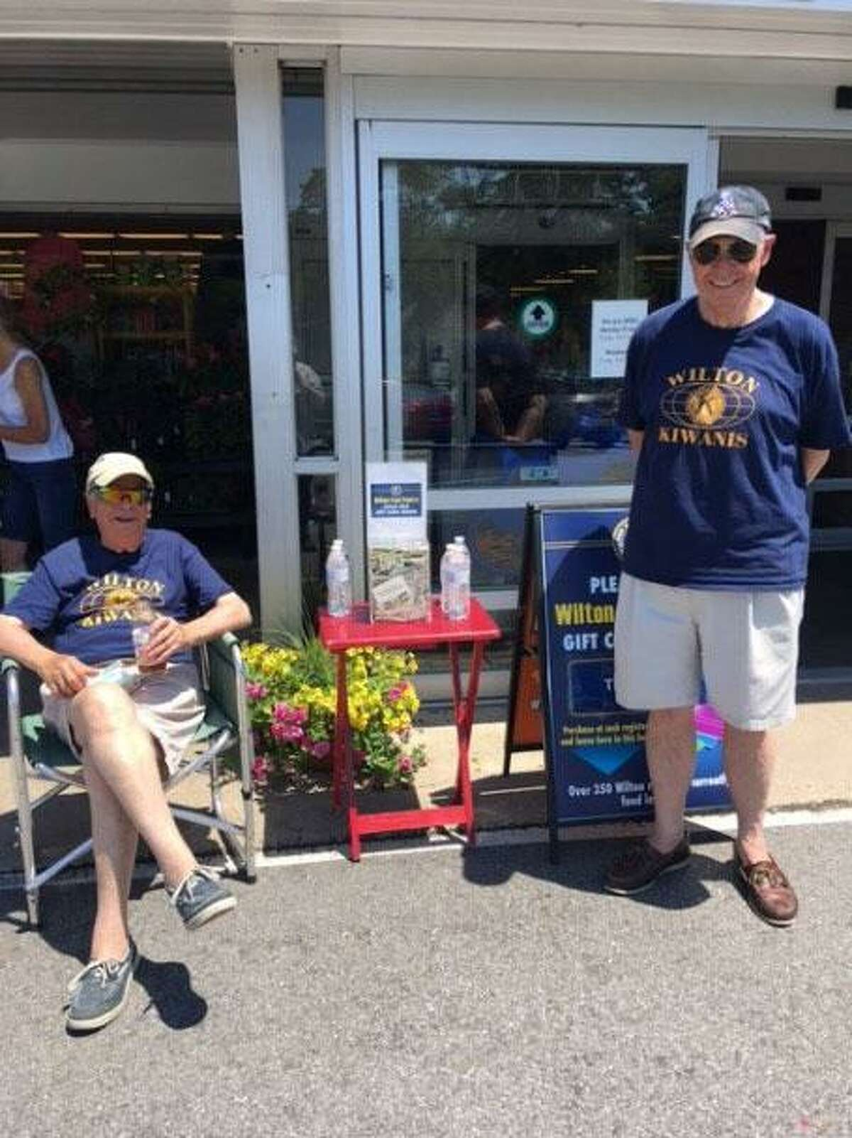 The president of the Wilton Kiwanis Club shows gratitude in this letter about the quarterly food drive that the Kiwanis Club recently had.