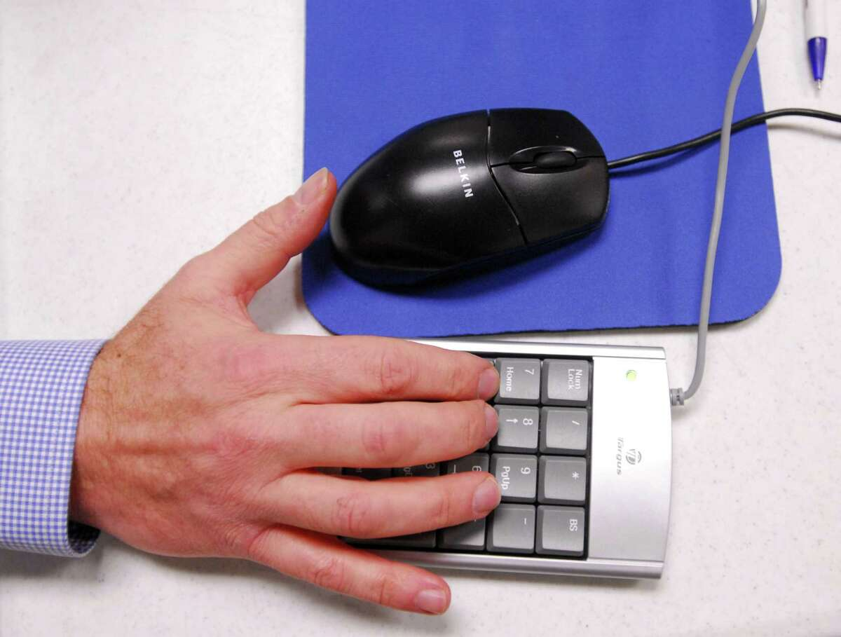 A keypad calculator for a laptop.