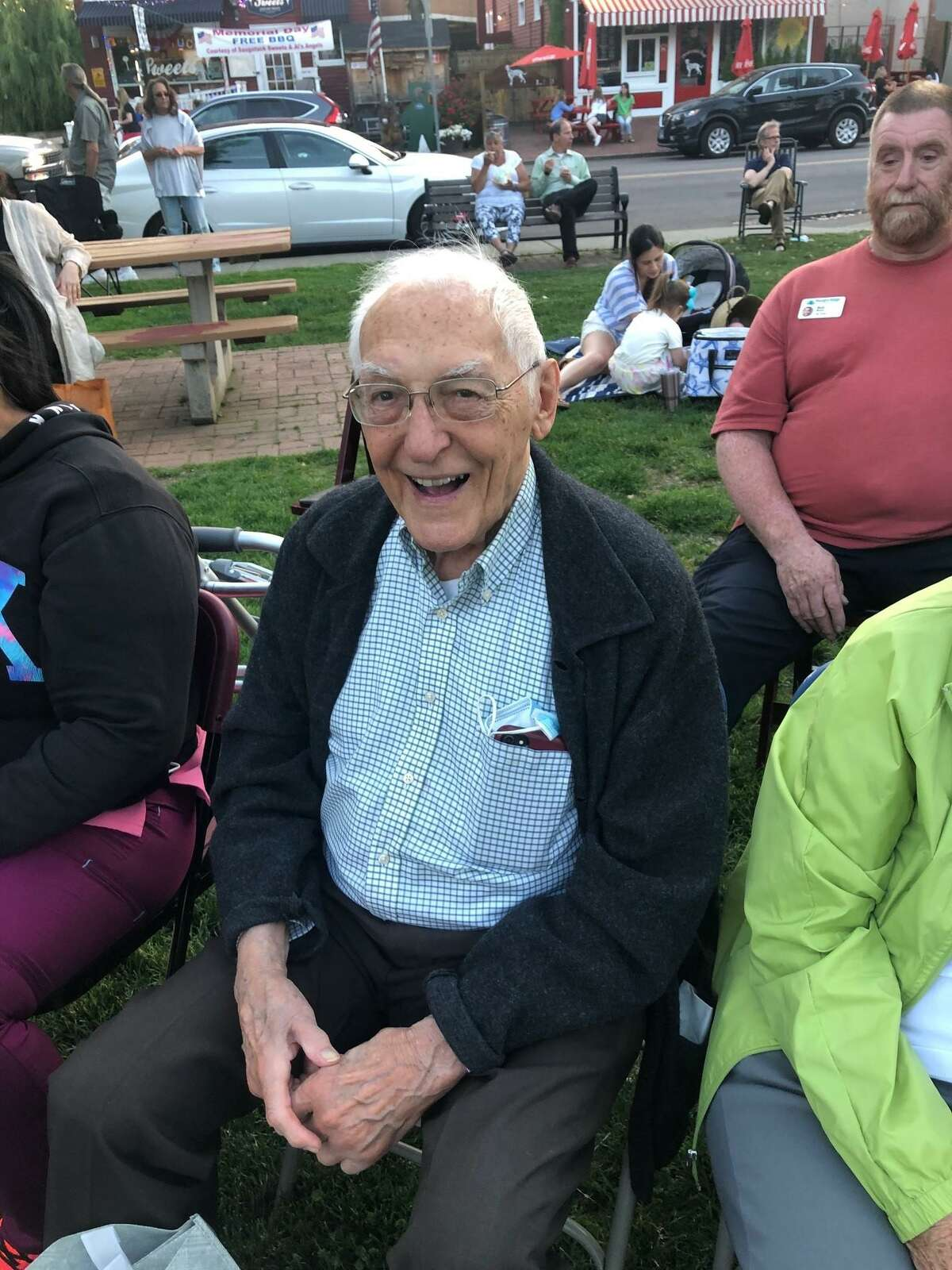 Sturges Ridge of Fairfield, which is a Benchmark assisted living, and Mind & Memory Care community, is helping senior citizens in the town be more social this summer.