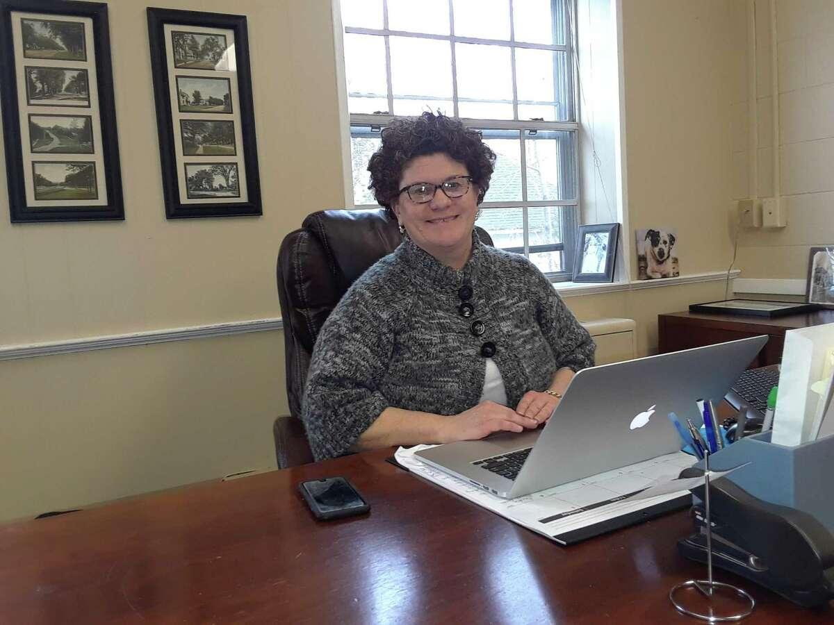 Litchfield First Selectwoman Denise Raap