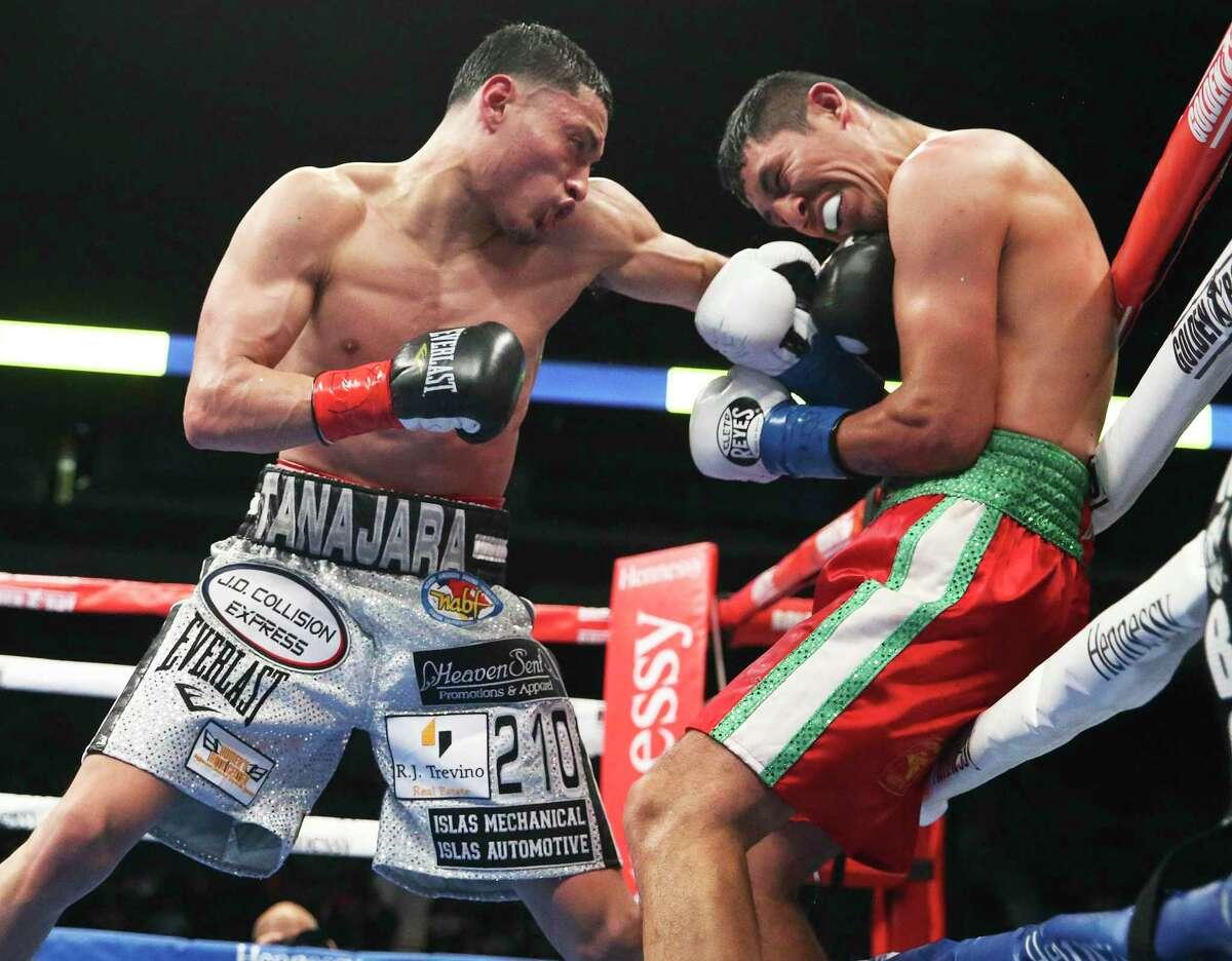 San Antonio's Hector Tanajara Jr., left, fights Juan Carlos Burgos for the USNBC lightweight title at the Alamodome on Jan. 11, 2020.