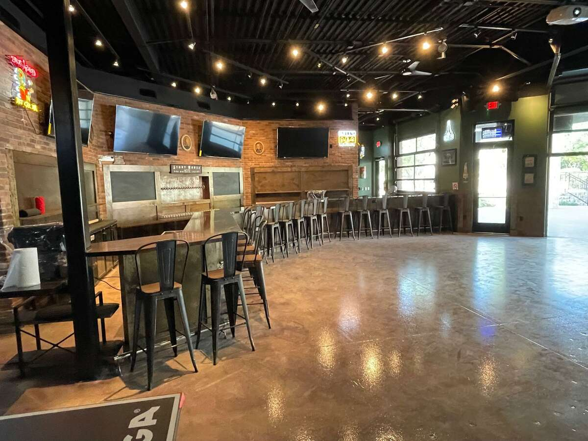 The fourth location for Stout House in the San Antonio area opens Thursday near the intersection of TPC Parkway and U.S. 281. It will feature 20 beers on tap, and have a full bar.
