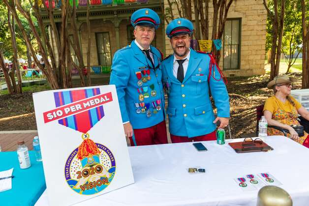 San Antonians came out to ¡viva Fiesta baby! at the annual Hemisfair kick-off event, Fiesta Fiesta on Thursday, June 17, 2021. Photo: Luis Vazquez