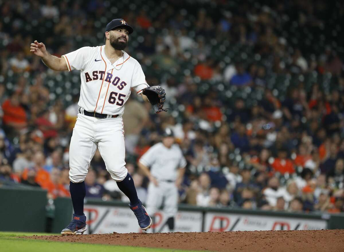 JoséUrquidy threw a bullpen session Sunday prior to the Astros' series finale against the Mariners.